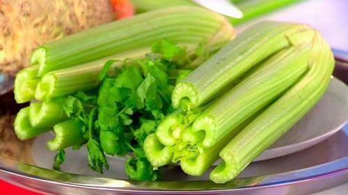 Можно ли есть листья корневого сельдерея. Описание, химический состав, пищевая ценность, витамины и микроэлементы