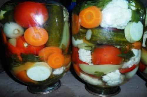 Рецепт огорода на 3 литровую банку. Лучшие рецепты засолки в домашних условиях