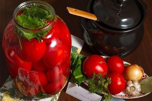 Что приготовить из перезрелых помидоров на зиму. Как приготовить маринованные помидоры на зиму в банках
